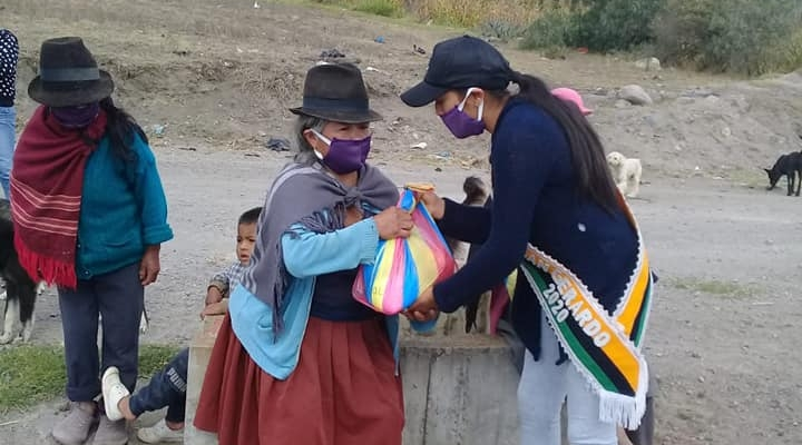 SE HIZO LA ENTREGA DE KITS ALIMENTICIOS